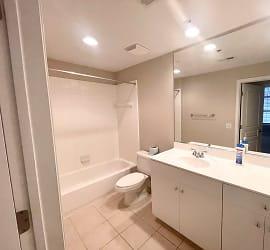 1320 Filmore Bathroom.jpg