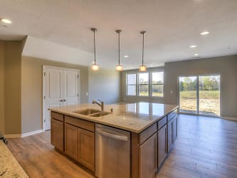 18511 60th Ave N Plymouth MN-002-8-Kitchen-MLS_Size.jpg