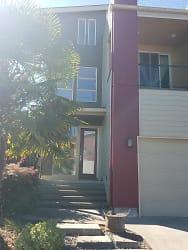 outside house pic.jpg