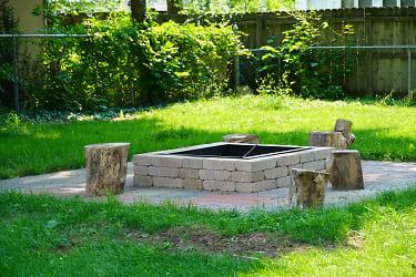 Backyard Firepit (1).JPG