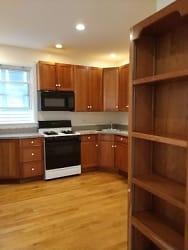 88c 2 kitchen.jpg