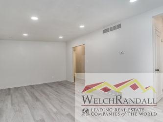 002_Living Room 2340 #3 Adams Avenue.jpg