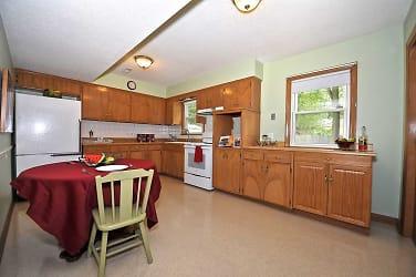 shawnee kitchen .jpg