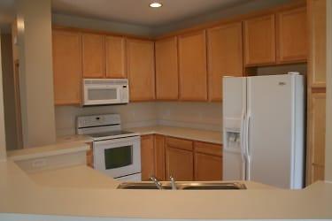 Kitchen a.JPG