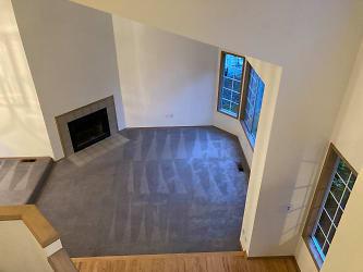 25- View of living room from upper floor_2.jpg