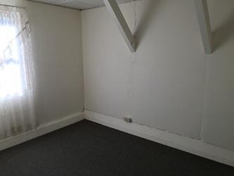 Downstairs Spare Room.jpg