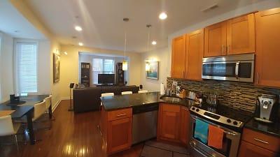 Kitchen&Living Room_1.jpg