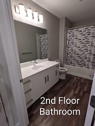 2nd Bath 1.jpg
