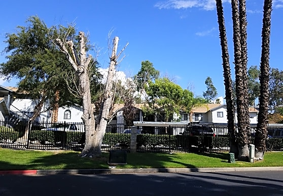 Lakeridge Apartments, Murrieta, CA