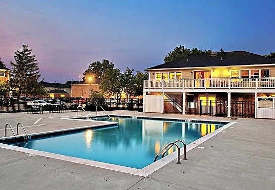 Willow Bend Apartments, Rolling Meadows, IL