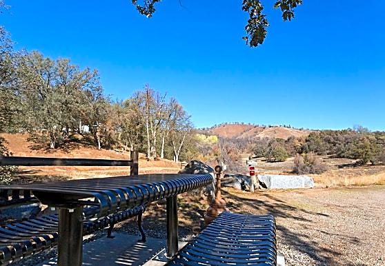 Oak Creek, Coarsegold, CA
