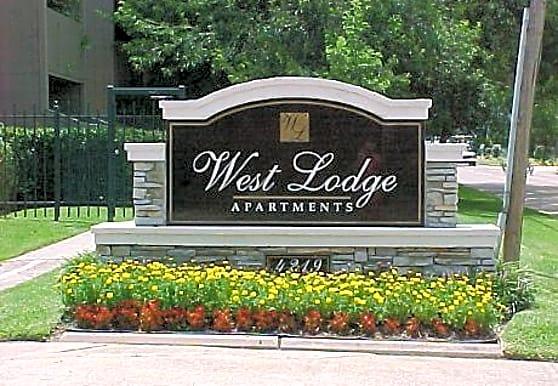 West Lodge, Baytown, TX