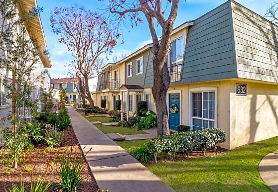 Lafayette Parc, West Covina, CA