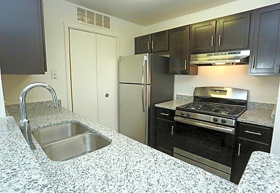 Willow Ridge Apartments, Ypsilanti, MI