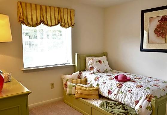 Oakridge Manor, Glen Burnie, MD