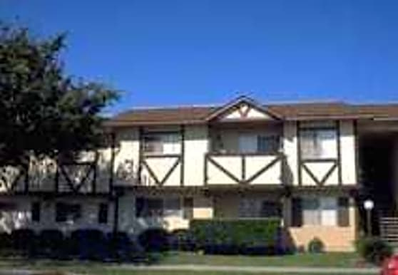 Country Club Apartments, Oceanside, CA