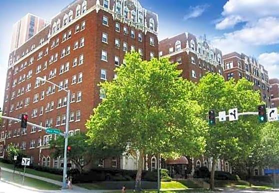 Casa Loma Apartments, Kansas City, MO
