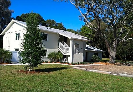 Diamond Oaks Apartments, Sarasota, FL