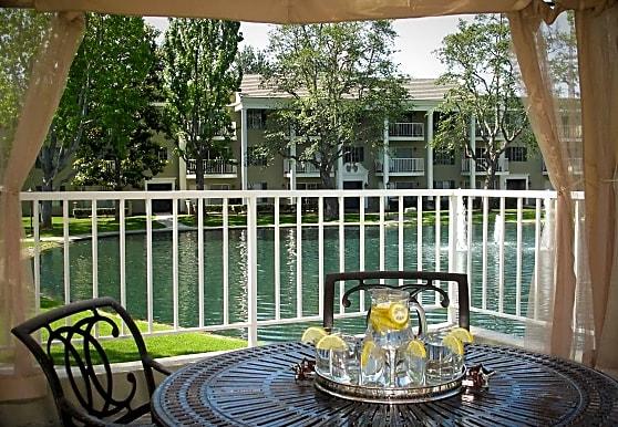 Versailles On The Lake, Santa Ana, CA