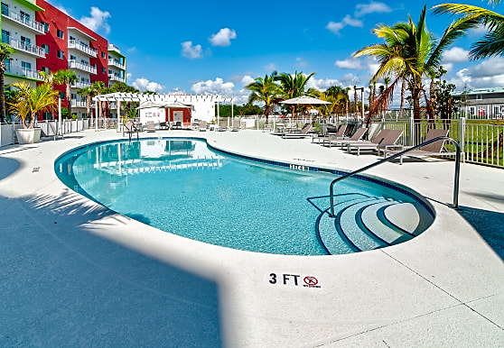 The Club at Crystal Lake, Pompano Beach, FL