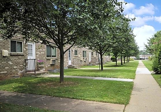 Ridgedale Gardens, Piscataway, NJ
