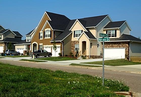 Hampton Bluff Town Houses, Cuyahoga Falls, OH