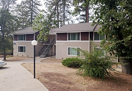 Oakhurst Apartments, Oakhurst, CA