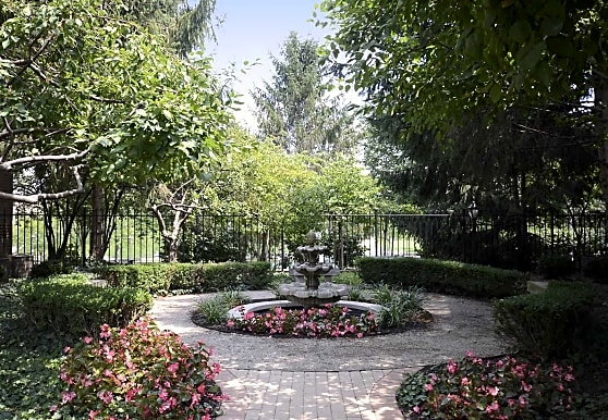 The Gardens Of Canal Court, Indianapolis, IN
