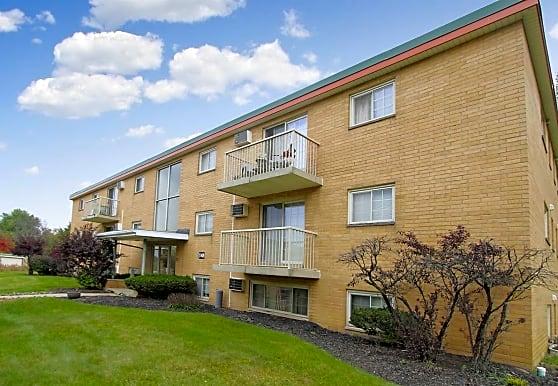 Royal Garden Apartments, North Royalton, OH