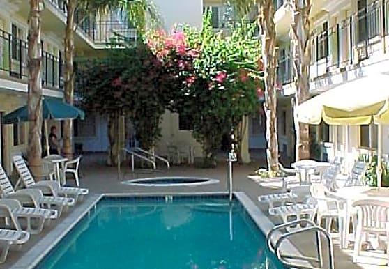 Tarzana Courtyard, Tarzana, CA
