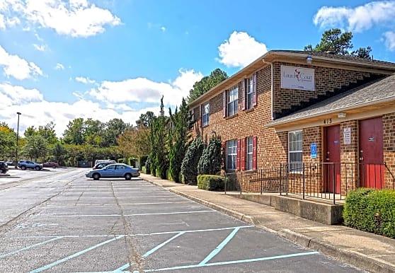 Laurel Court Apartments, Virginia Beach, VA