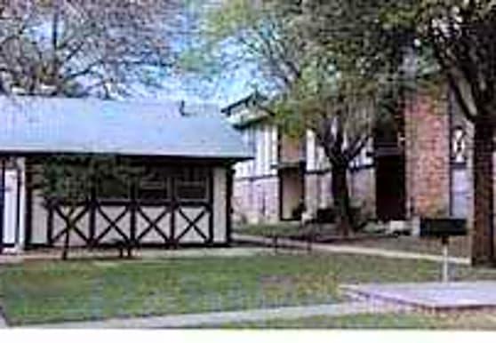 Runnymede Apartments, Austin, TX