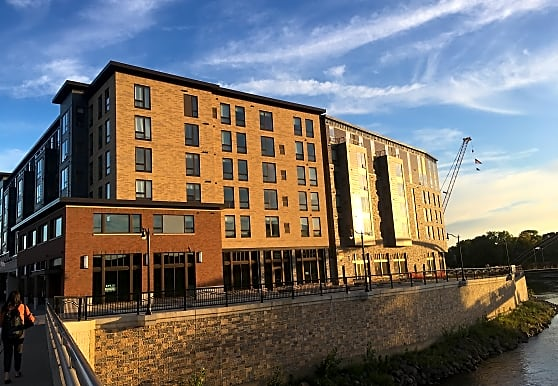 Confluence Mixed Use Student Apartment/Retail Building MEP & Fire Protection -, Eau Claire, WI