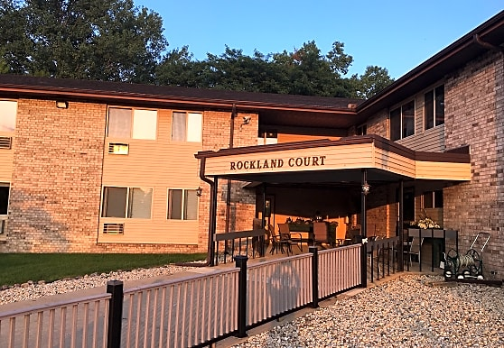 Rockland Court Apartments, Fort Atkinson, WI
