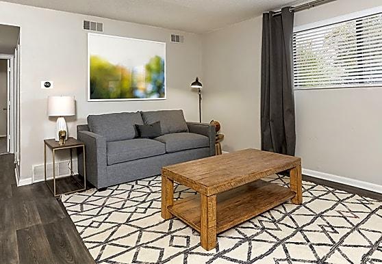 Carlyle Apartment Homes, Shawnee, KS