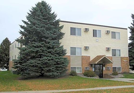 Four Seasons Apartments, Moorhead, MN