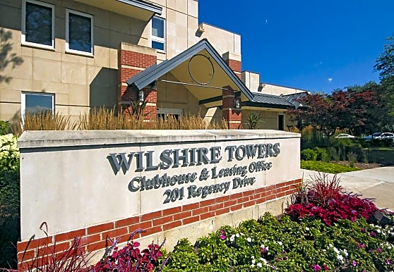Wilshire Towers, Bloomingdale, IL
