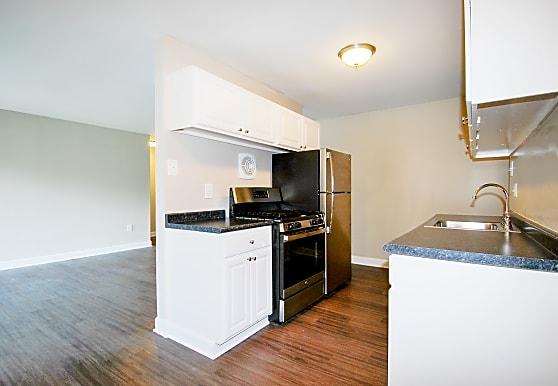 404 Rivertowne Apartment Homes, Richmond, VA