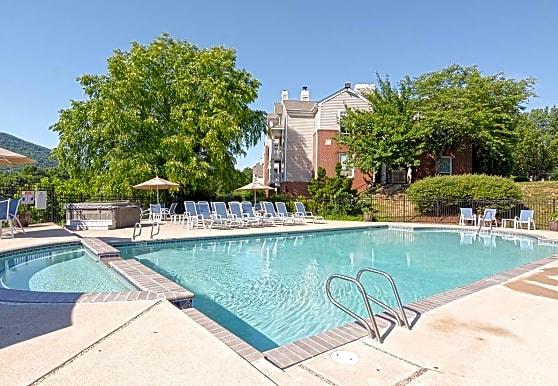 Lakeside Apartments - Monticello, VA 22902
