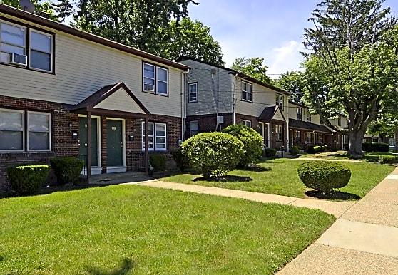 Woodbury Manor Townhomes, Woodbury, NJ
