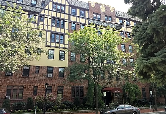 Westminster Hall Apartment - Great Neck, NY 11021