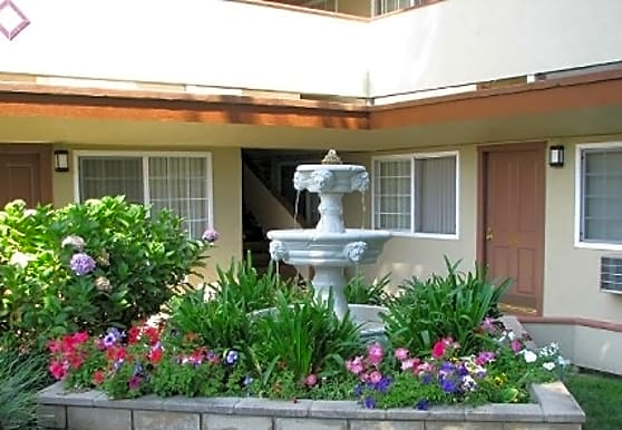 Paseo Gardens, Hayward, CA