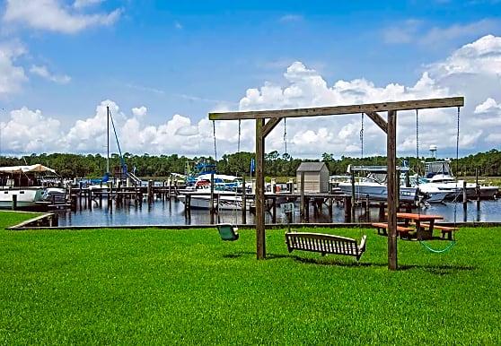 Fort Bayou Apartments, Ocean Springs, MS