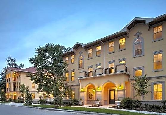 Centro Luxury Apartments, Gainesville, FL