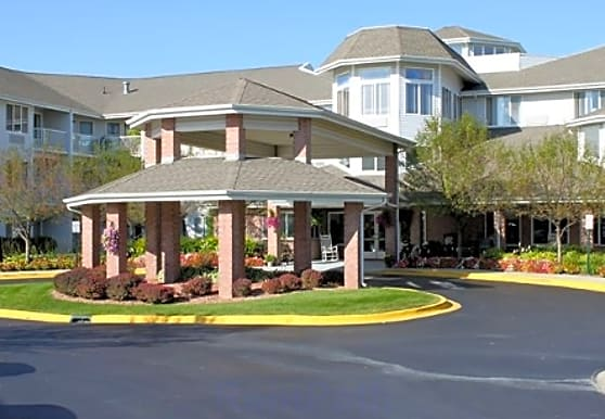 The Inn At Cass Lake, Waterford, MI