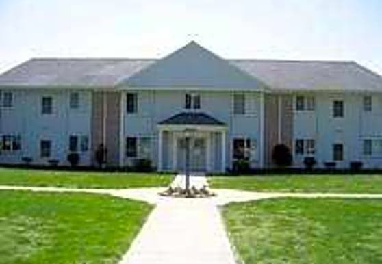Fox Run Apartments, Willoughby Hills, OH