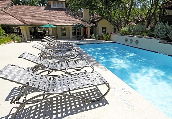 Villas of Oak Hill, Fort Worth, TX