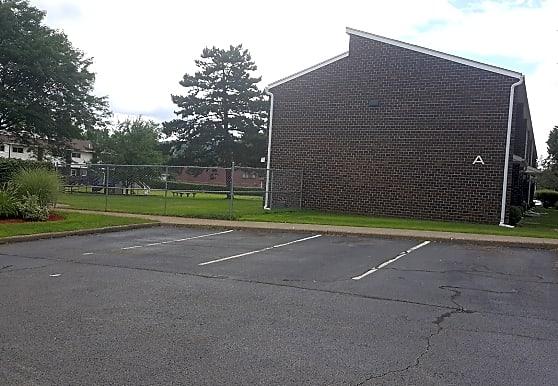 Woodburn Court II Apartments, Binghamton, NY