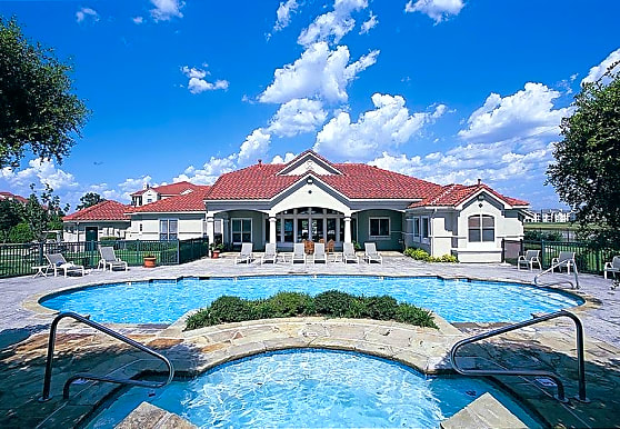 Crescent Cove At Lakepointe, Lewisville, TX