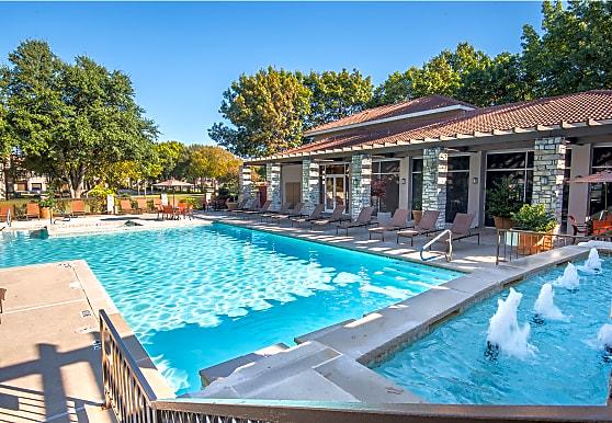 Villas of Preston Creek, Plano, TX